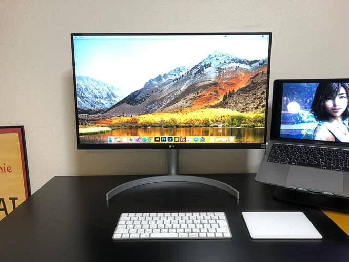 MacBookとUK850ベゼル差