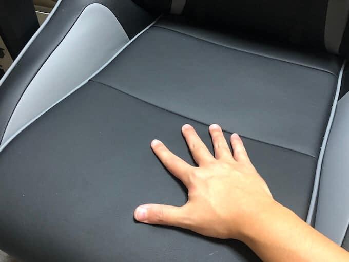 AKRACINGゲーミングチェアPro-Xのシート材質