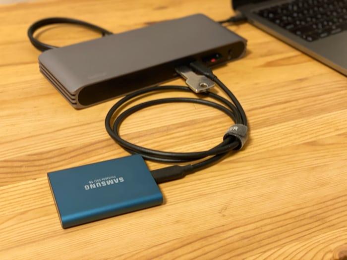 トリプルディスプレイCalDigit USB-C Pro Dockドッキングステーション接続イメージ