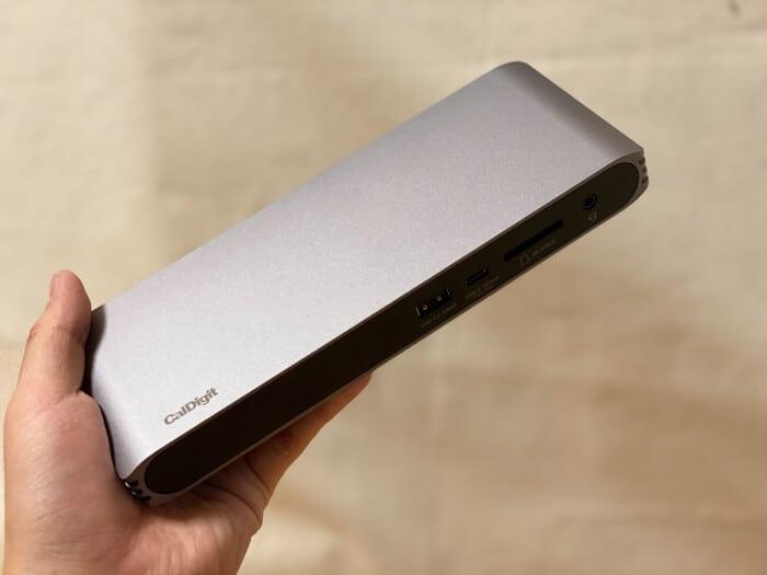 トリプルディスプレイCalDigit USB-C Pro Dockドッキングステーションサイズ感