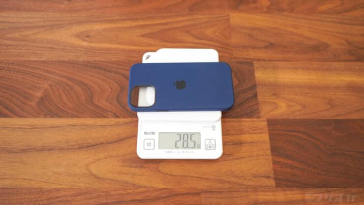 Apple純正MagSafe対応ケース重さ