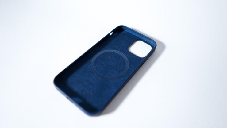 Apple 純正iPhoneケース